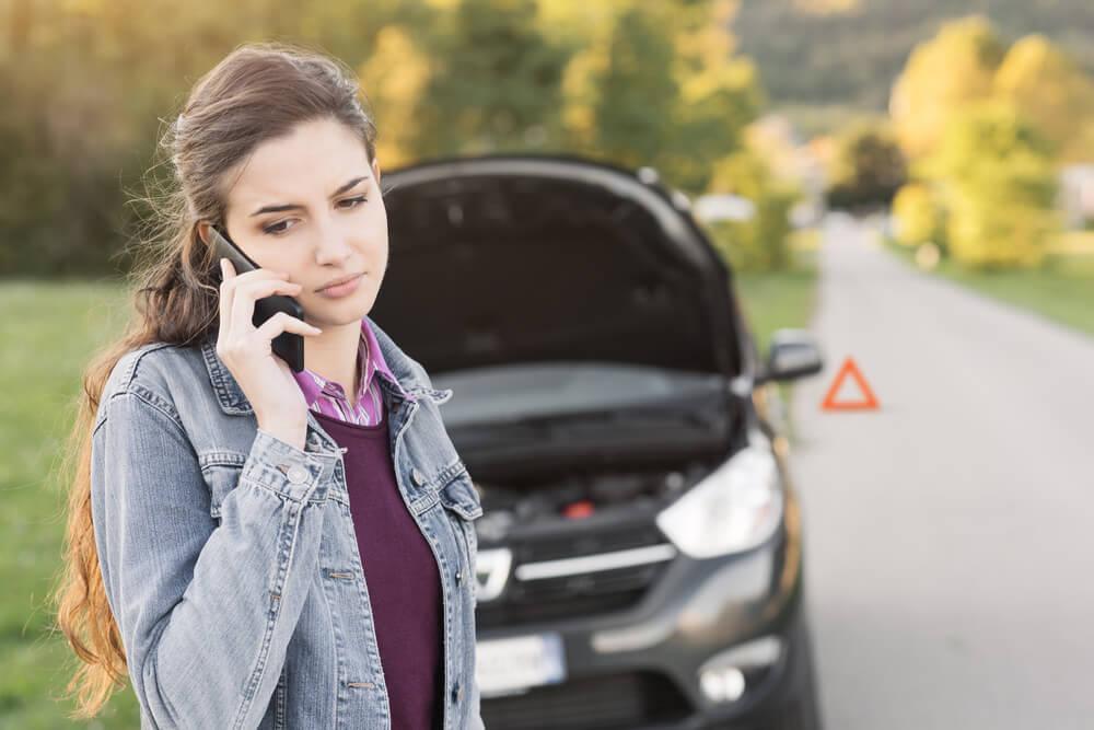 Car Failure Lady Calling